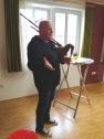 Thomas Neher vom Heimatmuseum Hossingen mit Schwäbischem Dudelsack